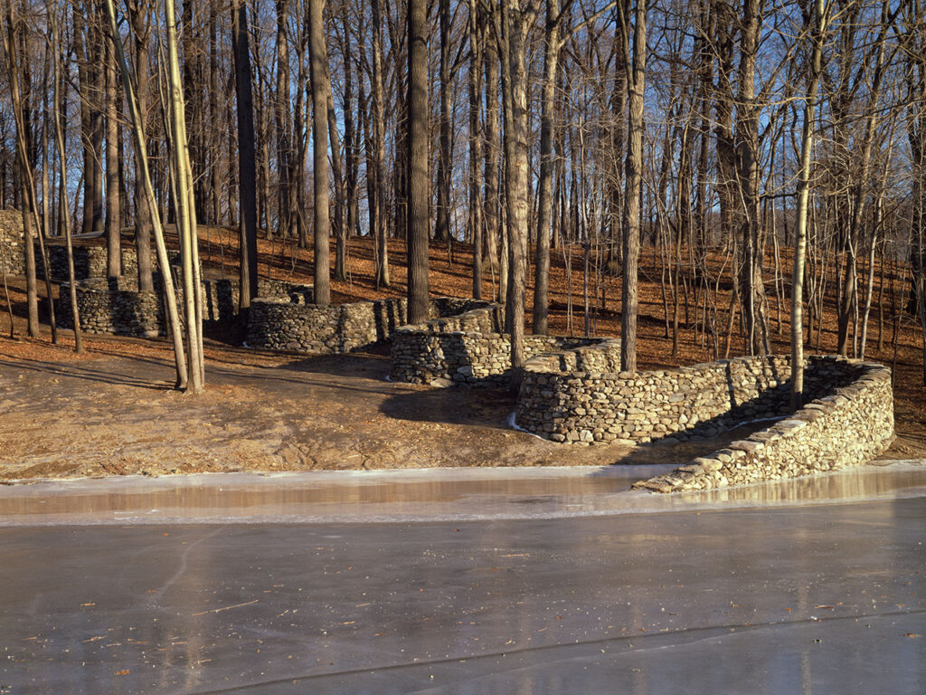 Andy Goldsworthy. Storm King Wall