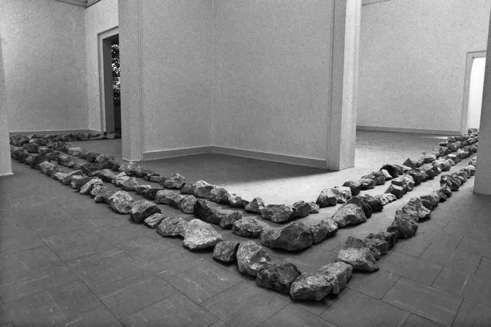 Richard Long. A line of 682 stones